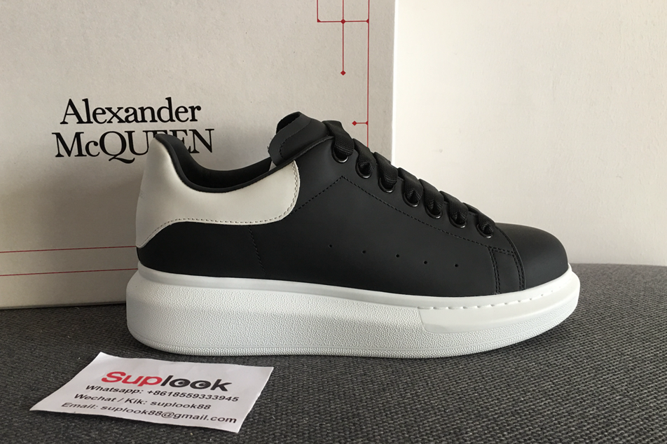 A-lexande-r M-cquee-n Over Size Sneaker Black