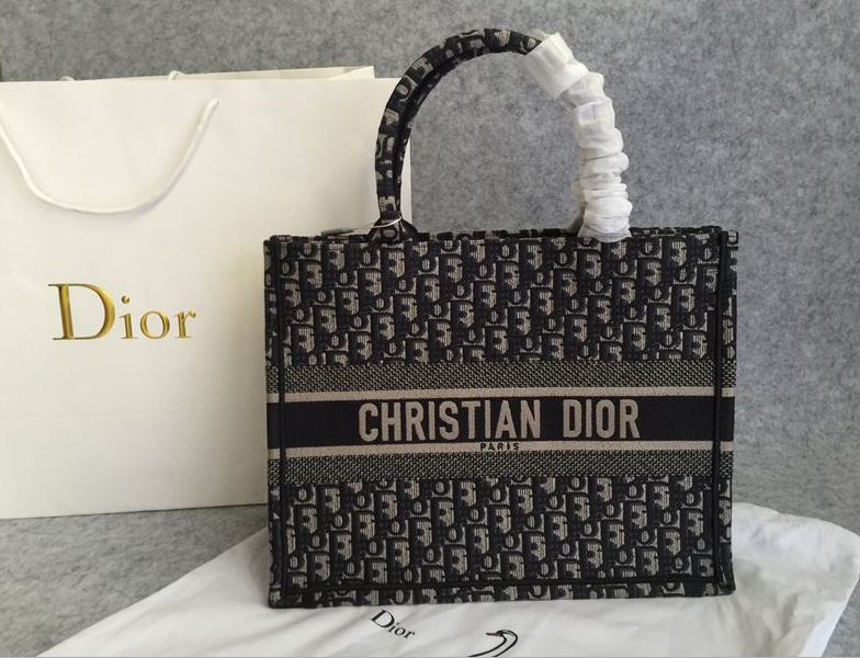 (WU$240) D-i-o-r Book Tote Bag