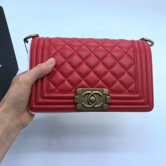 Chane-l Boy Flap Quilted Diamond Medium Red in Lambskin with Matte Aged Gold-Tone