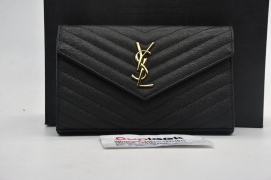Sain-t Lauren-t Chain Wallet Matelasse Grain de Poudre Black in Grained Calfskin with Silver-tone