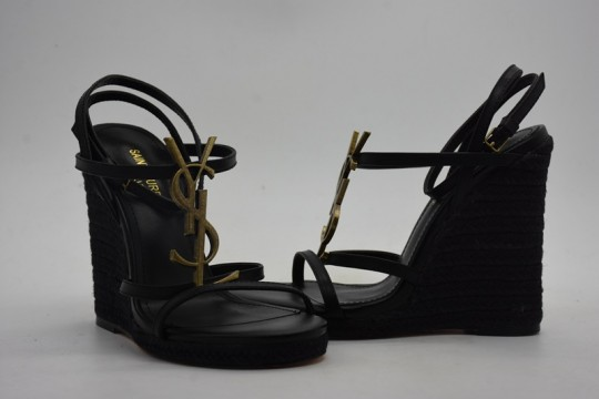 Sain-t Lauren-t wedge heels in black